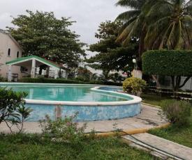 Bonita casa para vacaciones en Cancun, alberca compartida