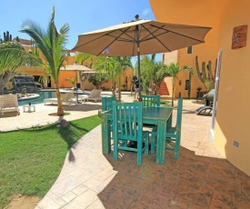 6A - Gorgeous Pool House, Amazing Swim & Surfing Beach