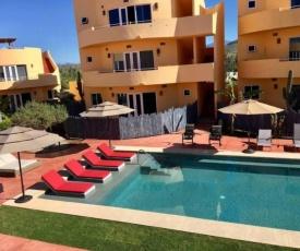 8B - Cerritos Beach Luxury, 2 Pools and Oceanview Deck