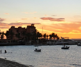 Amazing condo Sea Front top location in La Paz - salty water pool and jacuzzis