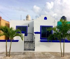 Casa Luna w Private Swimming Pool, Mexico! Walk to Xcacel Beach and Cenotes