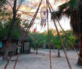 La Aldea Holbox Cabañas y Camping