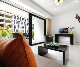 1 BDRM Modern apartment Greatdown town location! ROOFTOP POOL!!!!