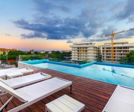 2 BED, Two Huge terraces, 5 mins to Beach