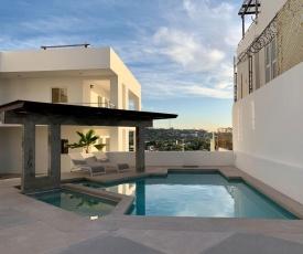 Pool /BBQ / Oceanview rooftop Condo 2nd floor