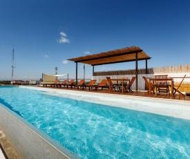 Great 1 BR, Rooftop Pool, Ocean Views!