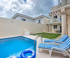 Modern Cozumel Condo with Rooftop Pool Access