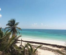 Chavez Eco Beach Camping and Cabañas