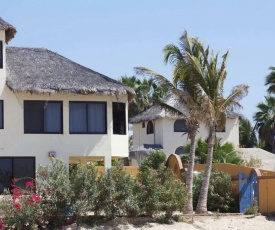 Las Palmas Tropicales Beachfront Rentals