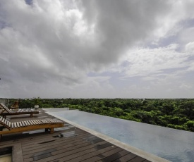 Lockey Amazing 2BR Condo In The Jungle With 2 Infinity Pools!