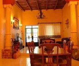 Guest house La Casa del Quetzal