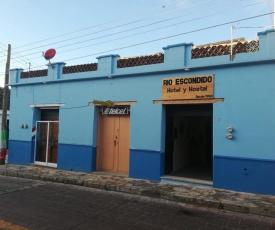 Rio Escondido Hotel y Hostal