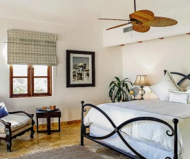 Exclusive Holiday Villa with Private Pool and Beachfront Location, Cabo San Lucas Villa 1018