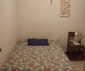 SMALL ROOM FOR LEASE