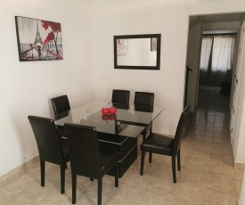 Comfortable house with excellent location. Come to Gomez
