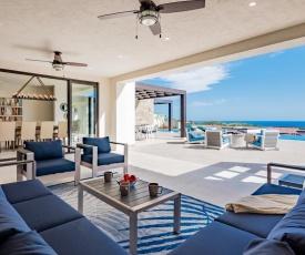 Casa Alvar, Luxury Vacation Home with Ocean Views!