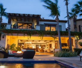 Imagine Your Family Renting a Luxury Holiday Villa Close to Cabo San Lucas Main Attractions, Cabo San Lucas Villa 1027