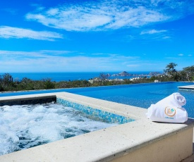 Majestic views and perfect location! Shared pool & jacuzzi