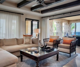 Picture Relaxing in this Luxury Holiday Home, Cabo San Lucas Condo 1029