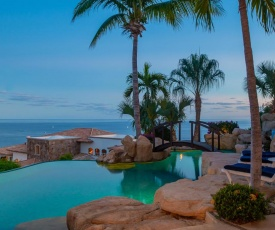 Pacific Ocean Views & Infinity Pool, Villa Miramar