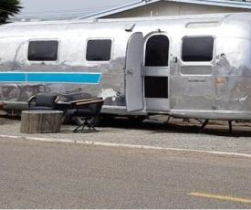 **Hospedate en un Airstream, con toda Comodidad**