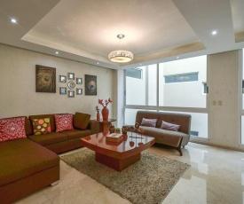 Coyoacan Florida Luxury apartment 4BR-4BA 2Parking