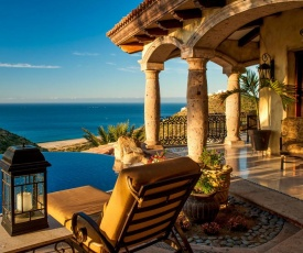 Stylish Pedregal Villa Maria