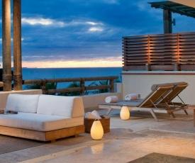 Spectacular Beachfront at veneros fully staffed
