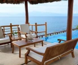 Sea the waves! Stunning beach house in five-star beachfront resort