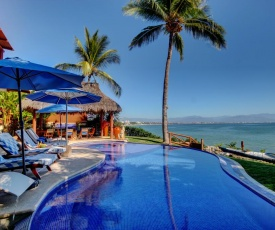 Your beach-house awaits! Stunning views, exclusive beach access, private pool & jacuzzi
