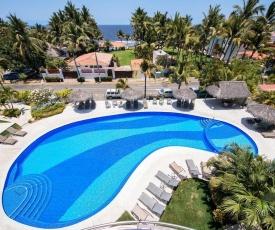 Large 2 Bedroom Beach View Nitta- Sleeps 6, Steps to Ocean