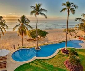 Luxury Beachfront Villa•180-5* Reviews•Chef/Maid•Golf•Surfing