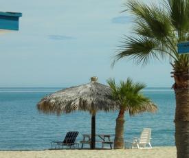 #52 Bungalow Seaside Hotel & Victors RV Park
