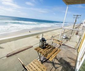 Beachfront, sun, sand & fun - Cozy 1 Bdr Apt