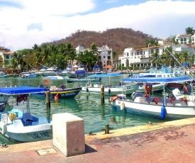 Canadian Resort Huatulco